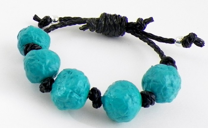 how to make paper beads (free jewelry tutorial)